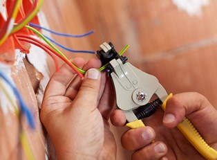 Top 3 Schools for Electricians