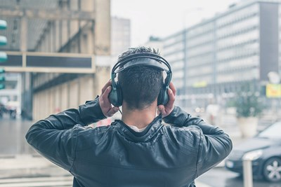 Listening to music to learn another language